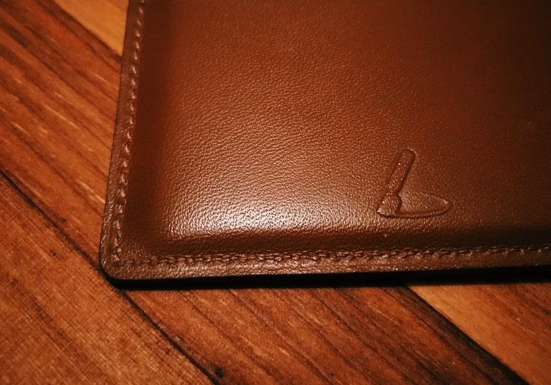 本革財布の表面の毛穴の様子