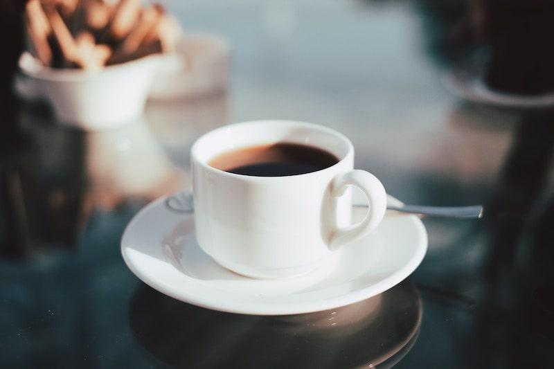 革財布にコーヒーをこぼした時の対処・手入れ方法