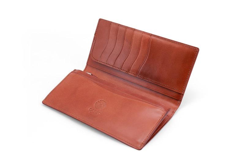 ガンゾのコードバンルチダ長財布の様子