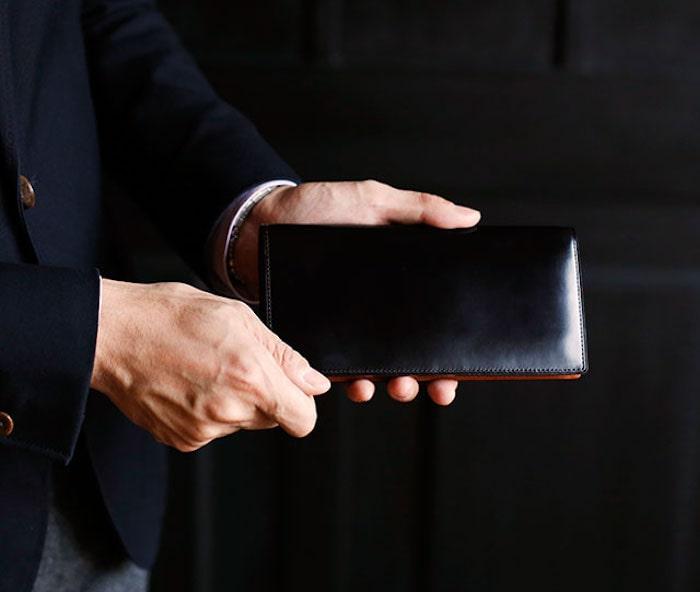 土屋鞄製造所のコードバン長財布