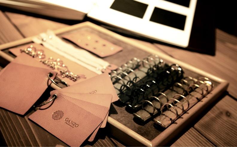 GANZOでは革財布のパターンオーダーも受け付けている