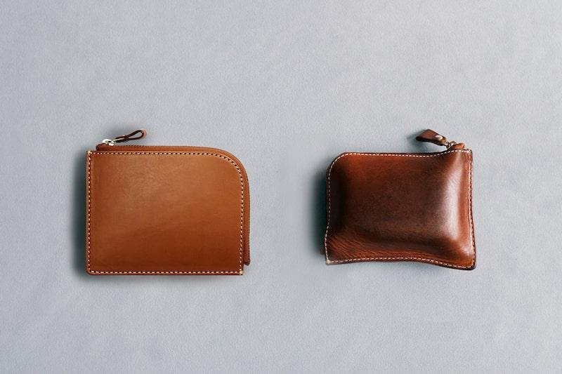 土屋鞄製造所のスタッフによる革財布のエイジング例