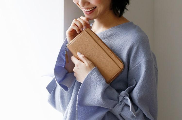 土屋鞄製造所のレディース長財布はシンプルで飽きがこない