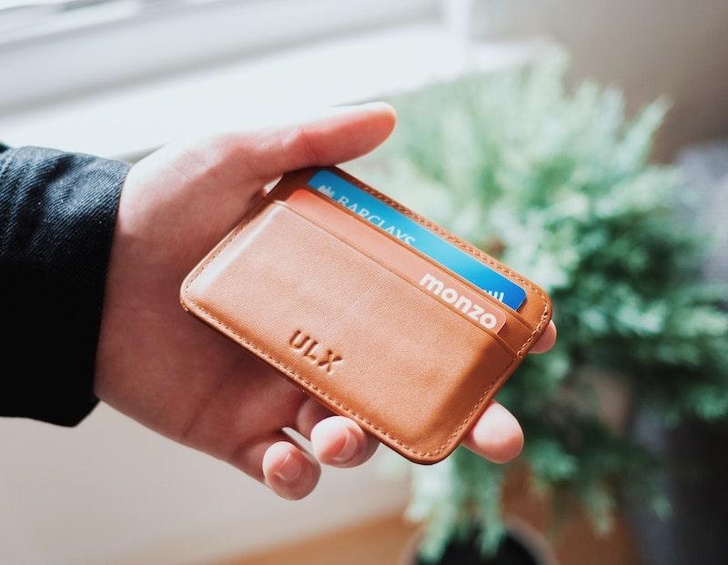 革財布のカード擦れによる黒ずみ汚れの落とし方