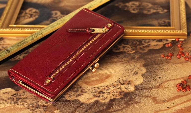 ダコタの10代〜20代向けのレディースがま口二つ折り財布