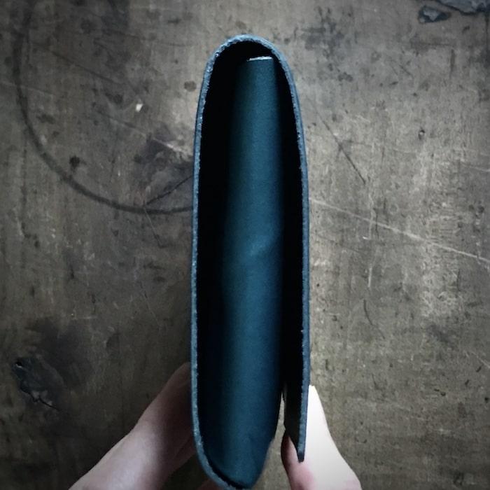 所作の財布の厚み