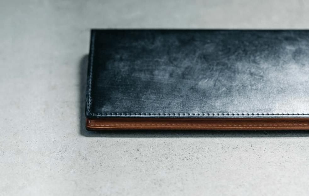 ブライドルレザーとは?革財布の人気素材の特徴や手入れ方法、エイジング例