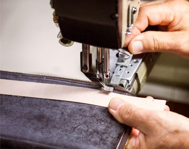 ココマイスターの革財布は手仕上げだから縫製がイマイチなこともある