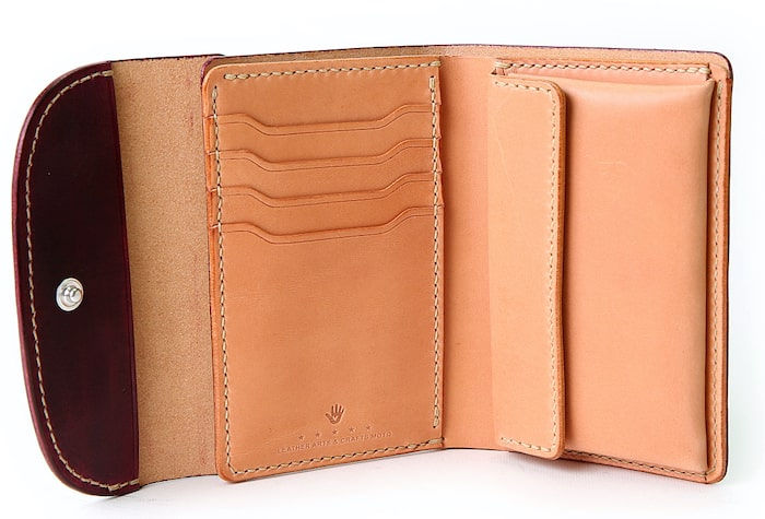 motoの三つ折り財布の内装