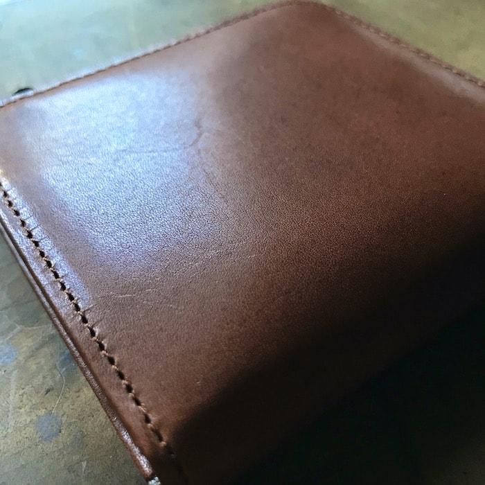 sliceのコンパクト財布の表面