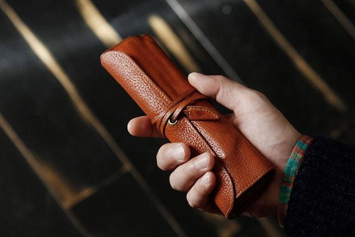 土屋鞄製造所のロールタイプ革ペンケース