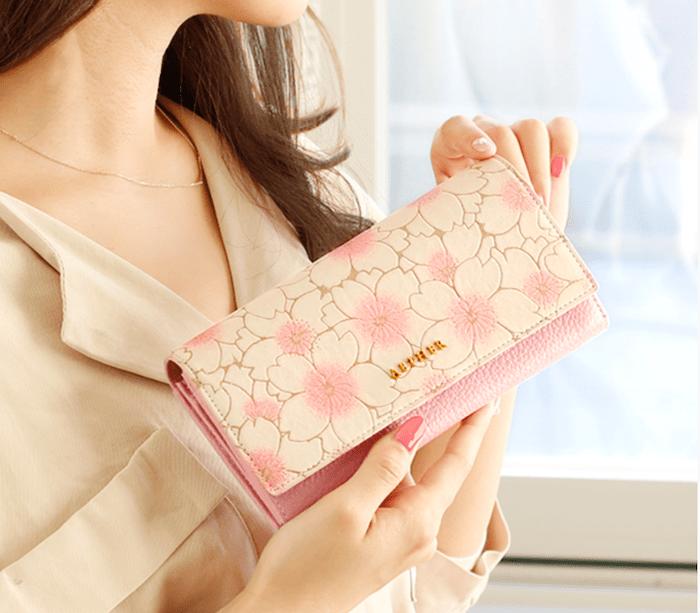 AETHERの長財布
