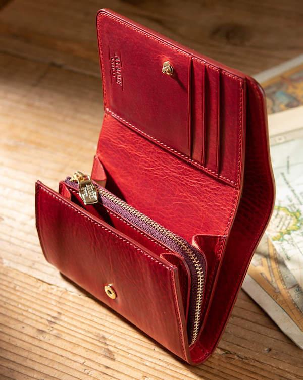 アヤメアンティーコのレディース三つ折り財布の内装