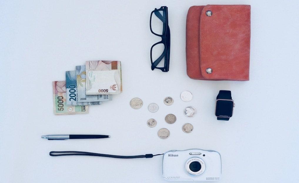 おすすめレディース三つ折り財布10選。本革ブランドで選ぶ小さな贅沢