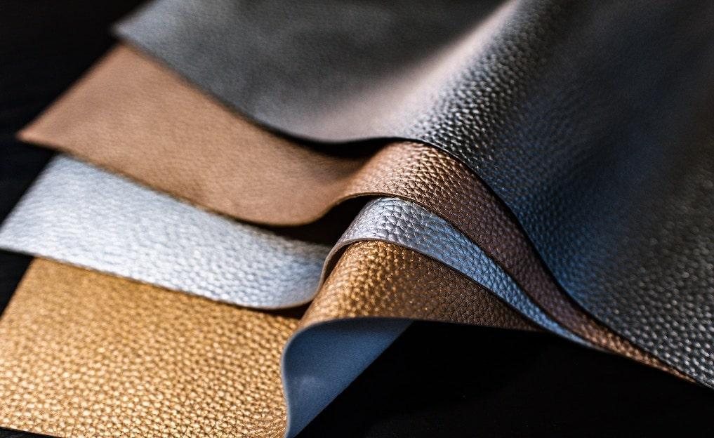 革財布のレザー13種類を紹介!素材ごとの特徴やランクの違いとは?
