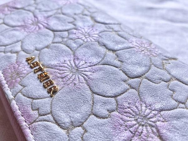 エーテルのサクラ長財布の桜模様の質感
