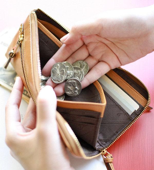 母の日ギフトにおすすめのダコタの財布の小銭入れ部分