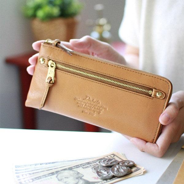 母の日ギフトにおすすめのダコタの財布
