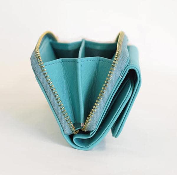 母の日ギフトにおすすめのハレルヤの財布の小銭入れ部分