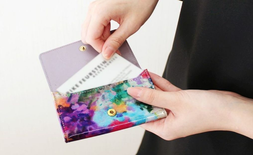 レディース革製名刺入れのおすすめブランド9選。日本製や1万円以下の安いものまで
