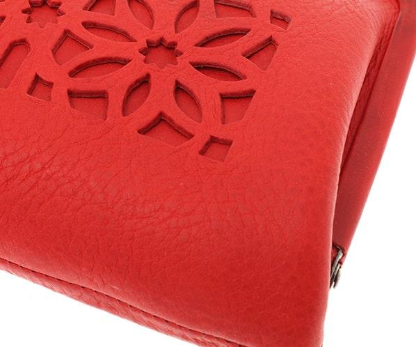 ゲンテンのレディースがま口財布の革の質感