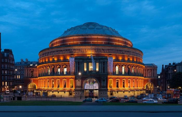 ロンドンブライドルのコンセプトはロイヤルアルバートホール