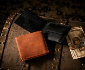ココマイスター ナポレオンカーフ二つ折り財布