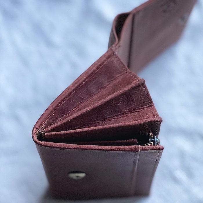 hallelujah二つ折り財布のマチ