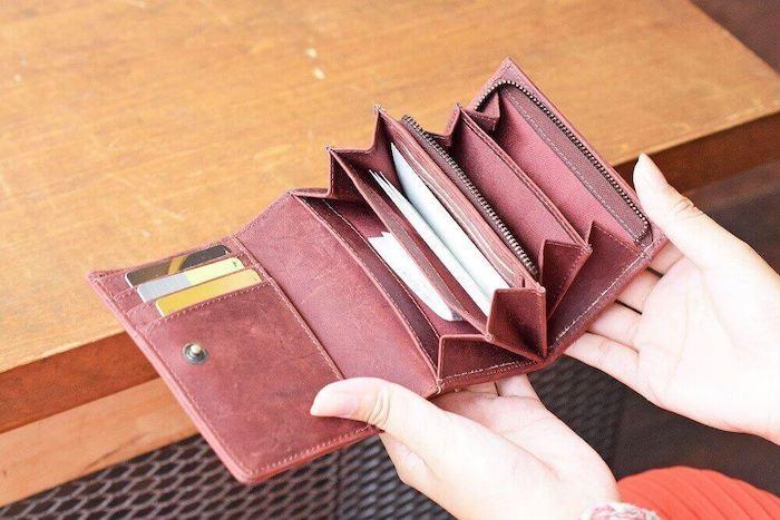 ハレルヤの二つ折り財布の内装