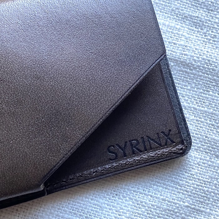 syrinx「HITOE FOLD」のロゴ