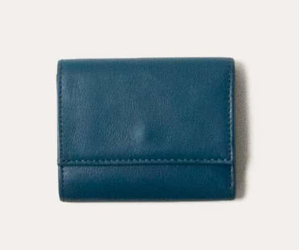 ビジネスレザーファクトリーの三つ折り財布