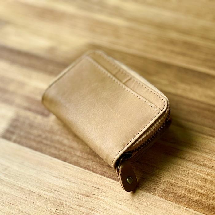 ハレルヤ「tinyミニ財布」の背面ポケット
