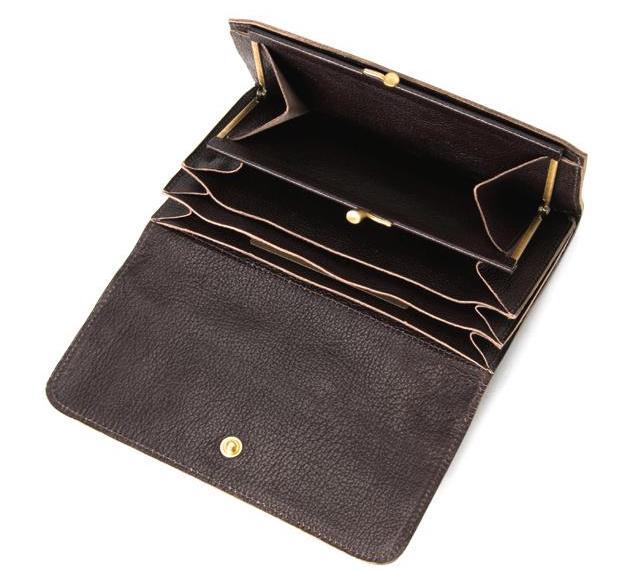 イルビゾンテの「中ガマ口長財布」の内装