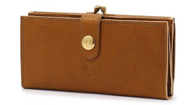 イルビゾンテの「フラップガマ口長財布」