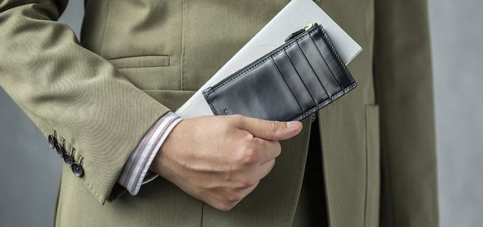 crafstoフラグメントケースはスーツに似合う