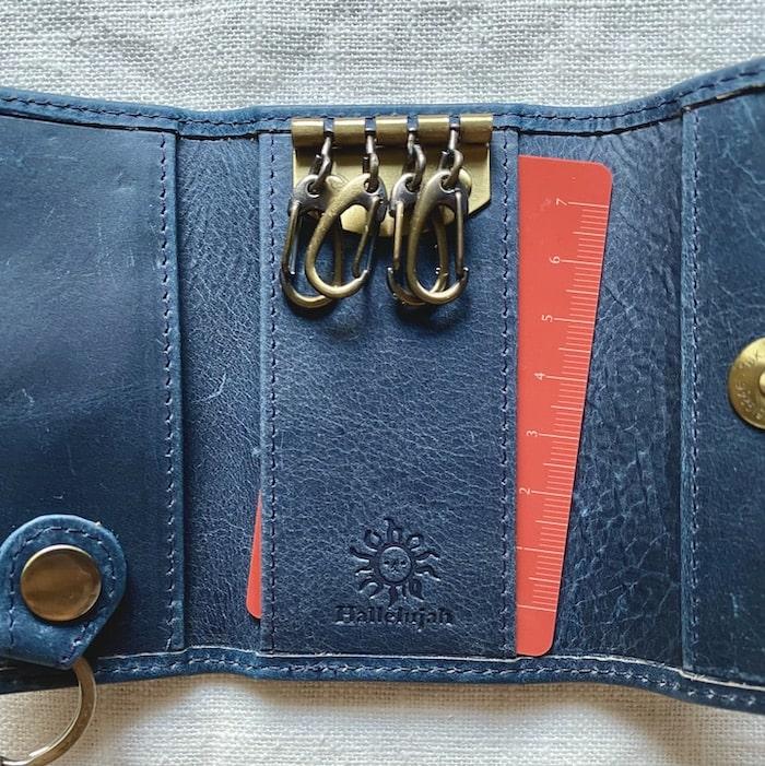 ハレルヤのキーケースはカードポケット付き